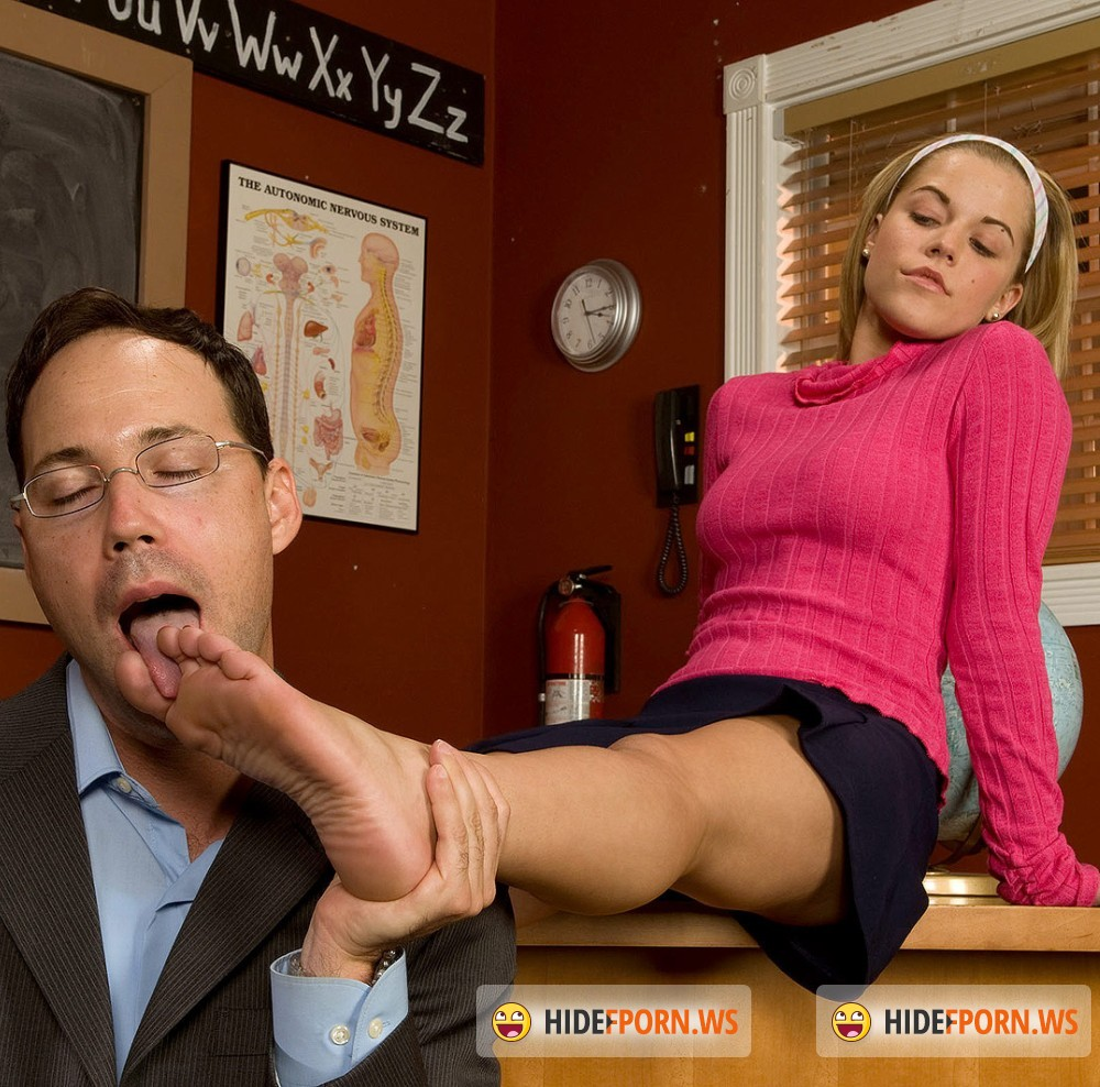 LegSex/PornMegaLoad - Charlie Lynn - A Little Extra Credit [HD 720p]