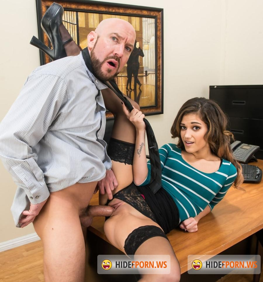 XXX At Work: Devyn Heart - Office Babe Devyn Heart Gets Fucked By Employee in Secret! HD [HD 720p]