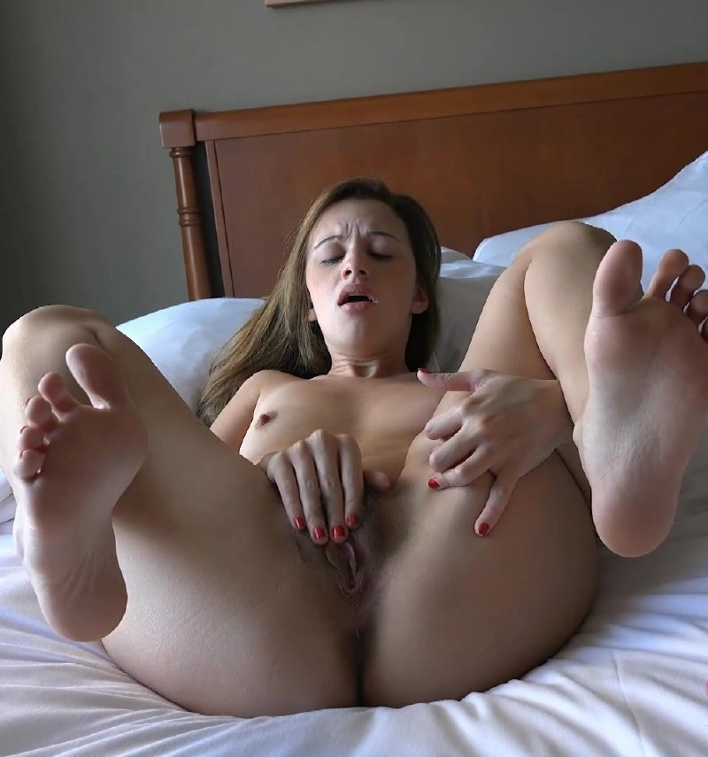 AtkGirlfriends.com - Ashlynn Taylor - She lays there with her legs spread after the creampie [FullHD 1080p]