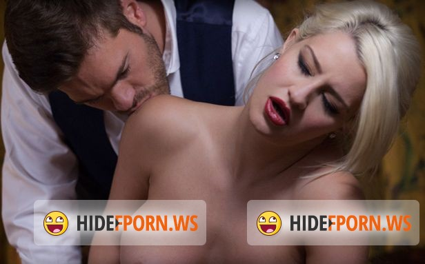 Frolicme.com - Sienna Day - Winter feast [FullHD]