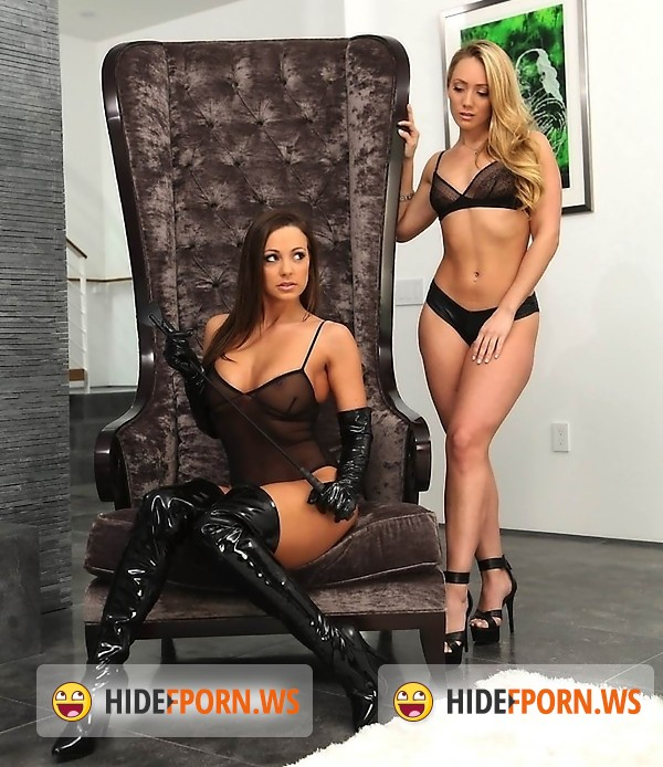 WeLiveTogether/RealityKings - Aj Applegate, Abigail Mac - Flick and chill [HD]