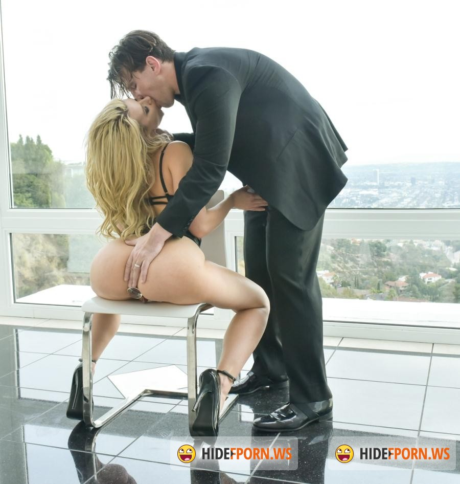 Hard: Anikka Albrite – Epic Ass, Epic Anal [SD 544p]