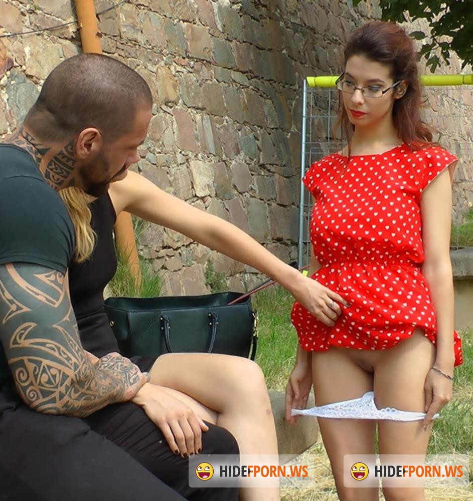 PublicDisgrace/Kink - Mona Wales, Rob Diesel, Zenda Sexy, Valentina Bianco - Busty Brunette Extremely Afraid of Electricity Gets Shocked Outdoors [HD 720p]