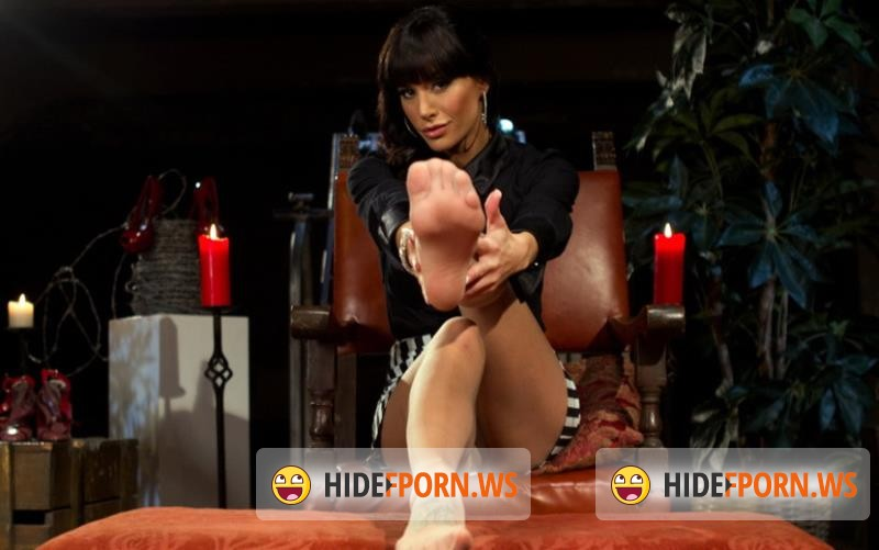 Kink.com/DivineBitches.com - Maitresse Madeline, Gia DiMarco and Blake - Foot Fetish Extreme [HD 720p]