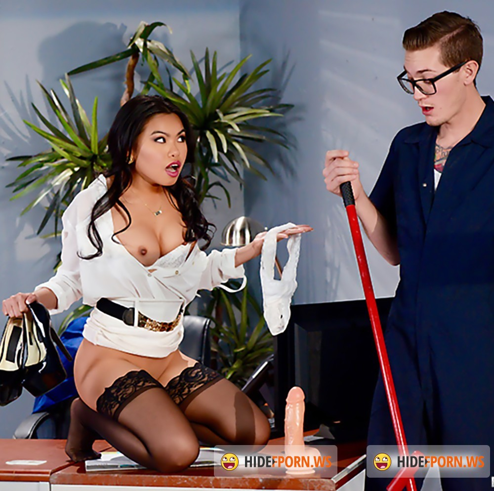 BigTitsAtWork/Brazzers - Cindy Starfall, Buddy Hollywood - The Janitors Closet II [HD 720p]