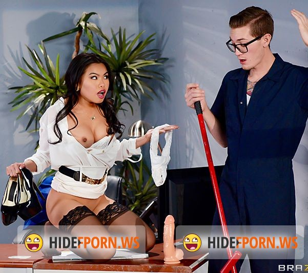 BigTitsAtWork.com/Brazzers.com - Cindy Starfall - The Janitors Closet II [FullHD]