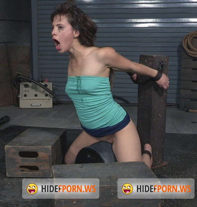 SexuallyBroken.com: Devilynne - Deepthroat queen Devilynne does a live BaRS show bound to a sybian as she is facefucked by BCC! [HD 720p]
