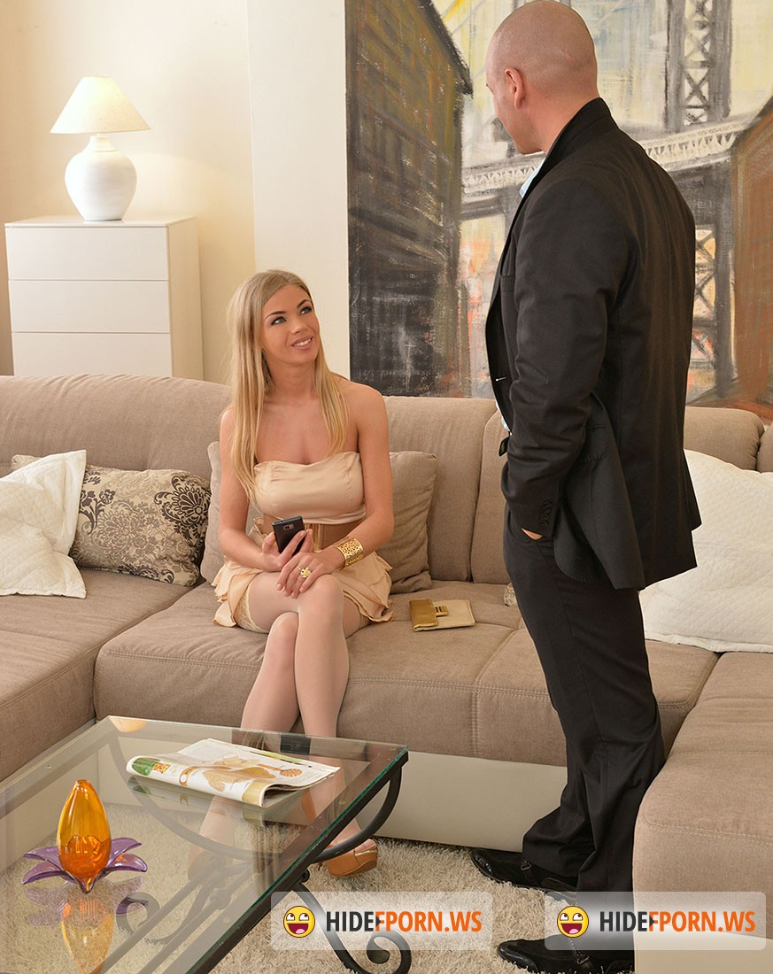 FuckinHD.com - Lolly Gartner - Blonde Babe Comforts Hung Cop With Eager Shaved Pussy [HD 720p]