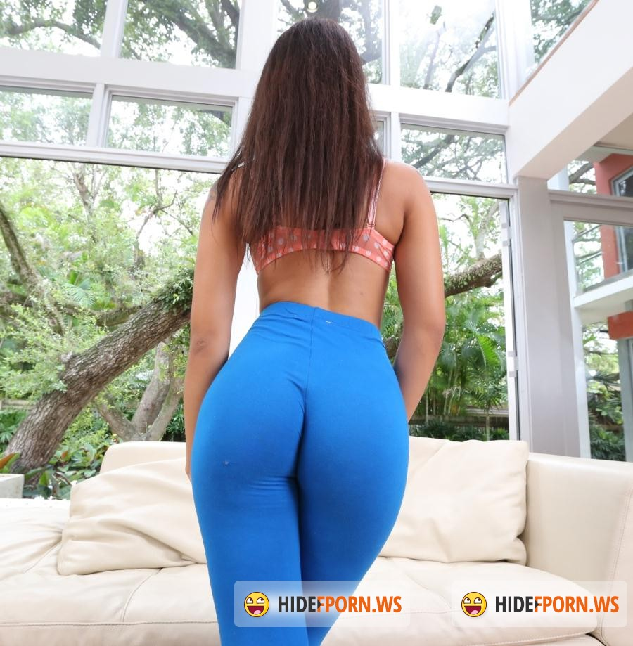 BB18: Holly Hendrix - 18 Year Old Holly Hendrix Gets Demolished! [SD 480p]