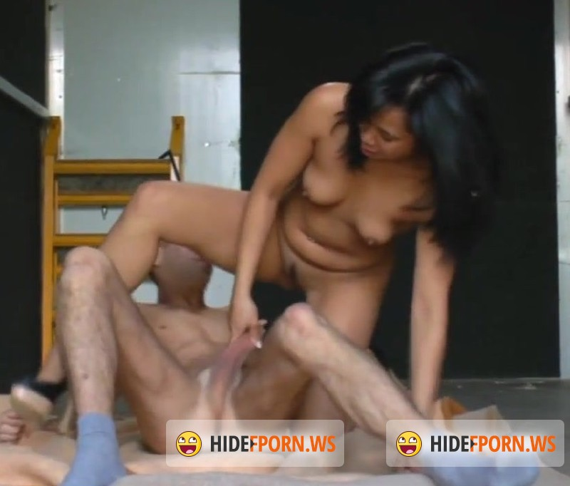 Asian-Deepthroat.com - Amateur - A Stop on the road, added [HD 720p]