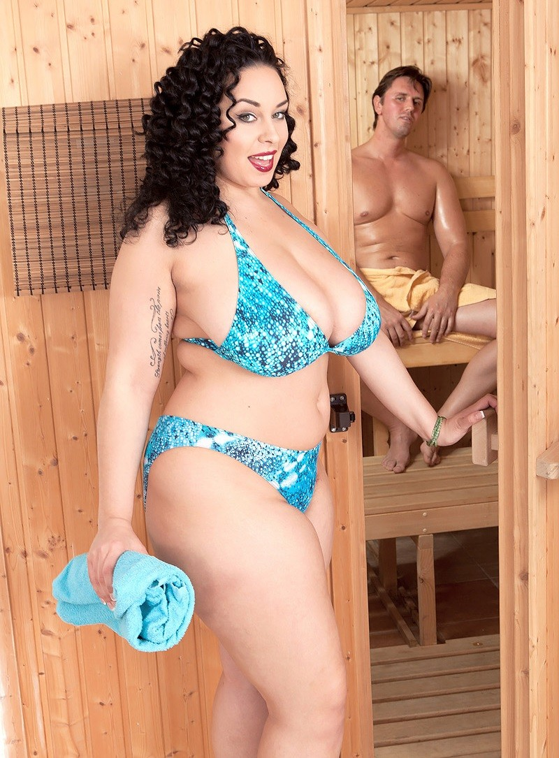 Scoreland.com/PornMegaLoad.com - Anastasia Lux - Sauna Sex Party [SD]