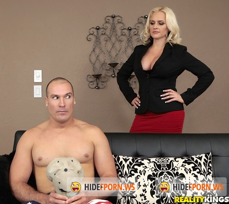 MilfHunter/RealityKings - Alena Croft - Penetrate the pussy [HD 720p]