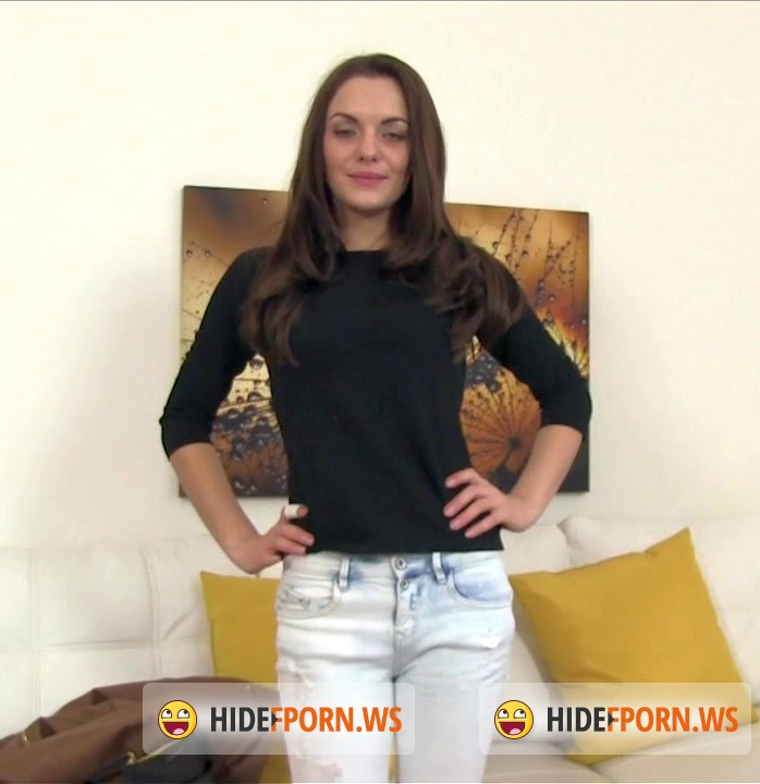 Casting: Dominika - Sexy model fucks in casting [HD 720p]