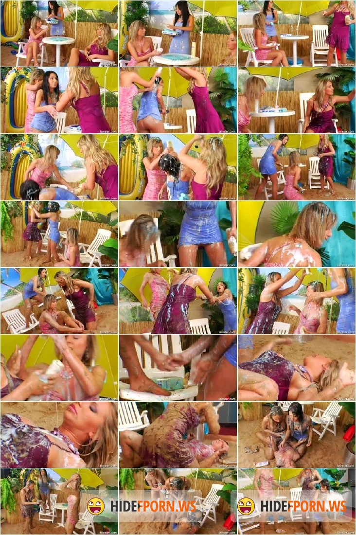 AllWam.net/Tainster.com - Francesca Felucci, Miss Piss, Victoria Rose - Soapy Battle Only Creates a Mess  [SD 540p]