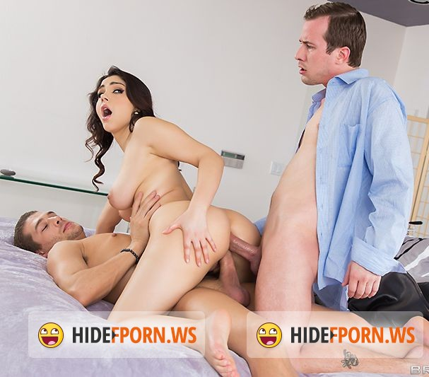 RealWifeStories.com/Brazzers.com - Valentina Nappi - This Partys Boring [FullHD]