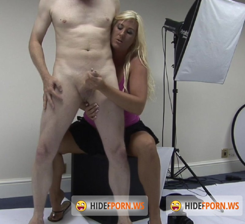 AmateurCFNM.com - Vikkie Malone - Hello Big Boy [FullHD 1080p]