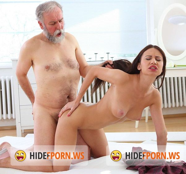 OldGoesYoung.com - Nakita Star - Nakita Star gets her first taste of older cock and she fucking loves it! [UltraHD/4k]