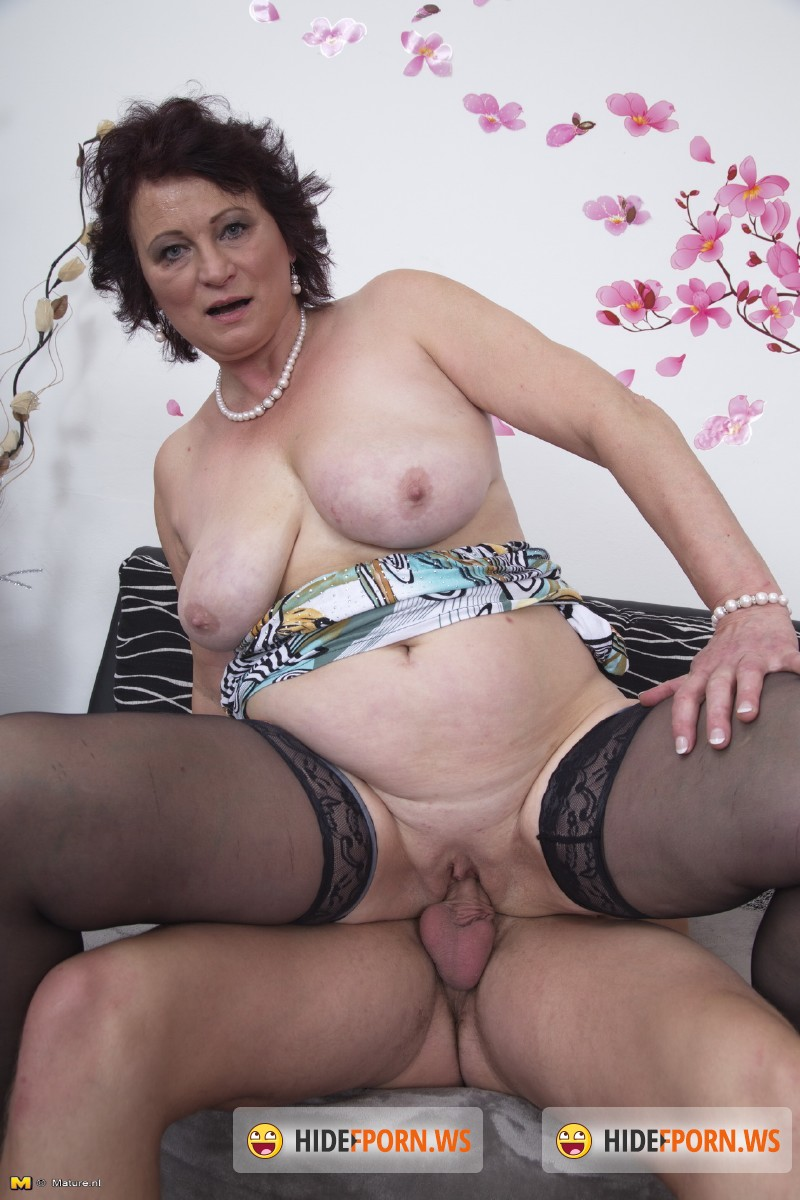Mature.nl - Dalia (54) - Big breasted lady doing her toyboy [SD 540p]