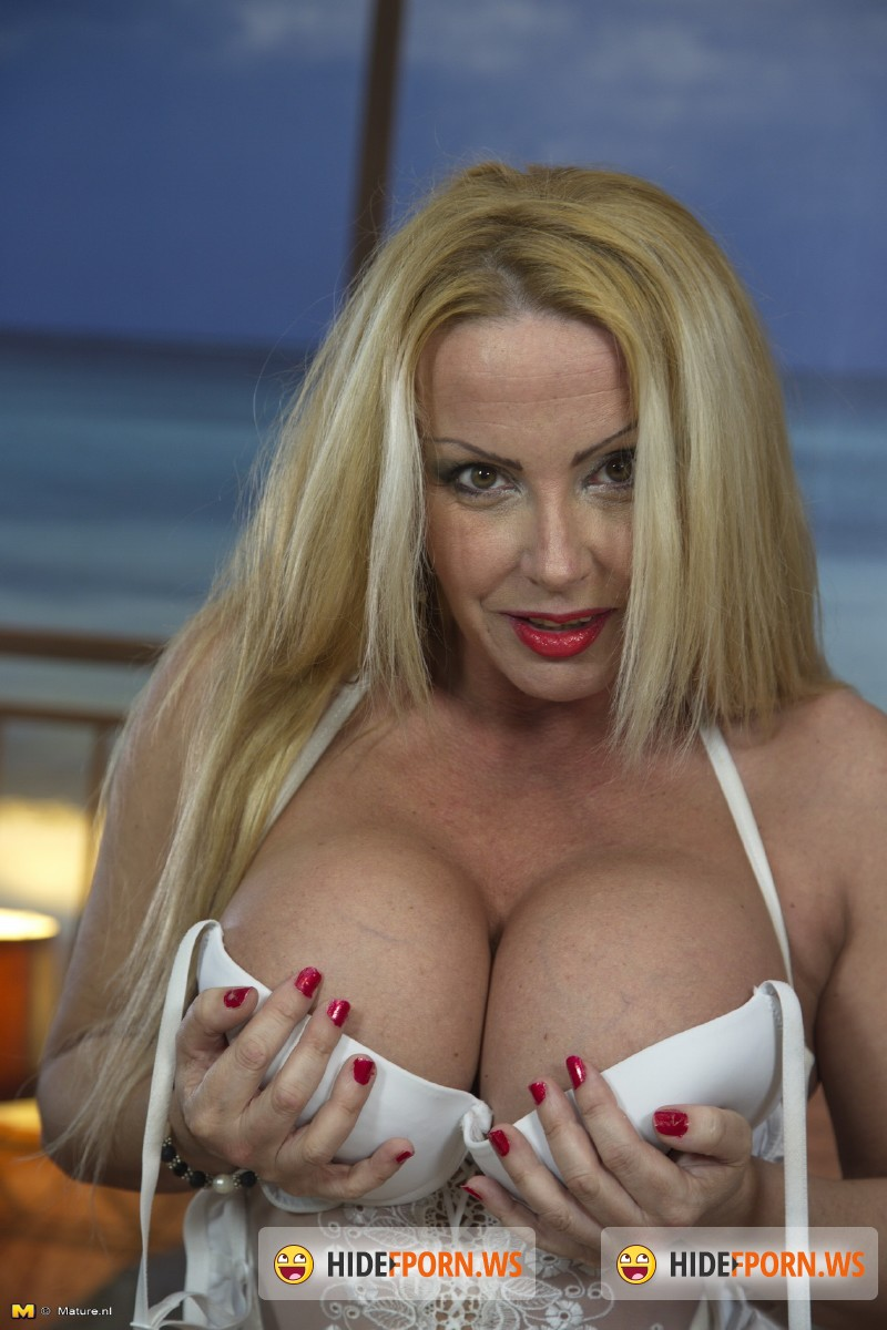 Mature.nl - Constanza (47) - Steamy MILF showing off her big tits [SD 540p]