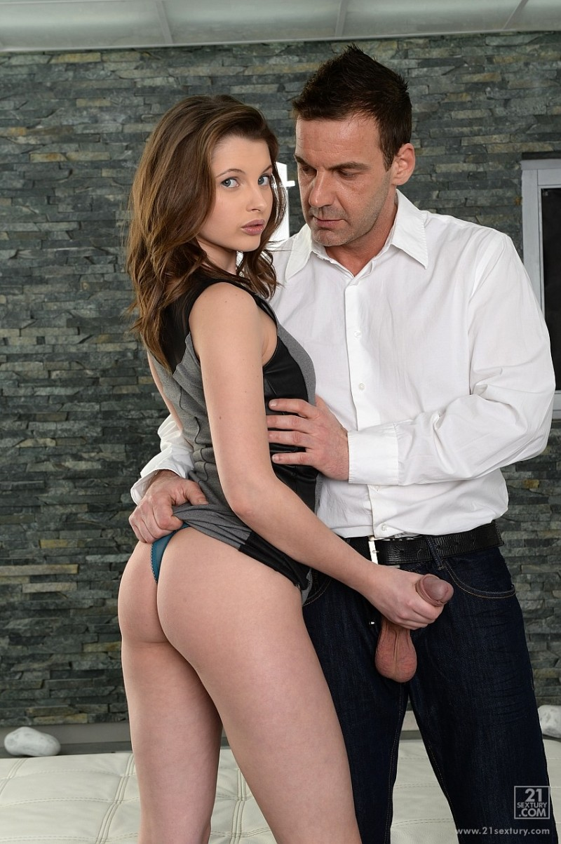 PixAndVideo.com - Liona Levi - Meeting Delayed [FullHD 1080p]