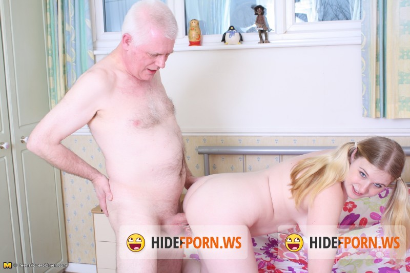 Teens-love-oldmen.com/Mature.nl - Mona B. (23) - British dirty old man has sex with a hot young babe [SD 540p]