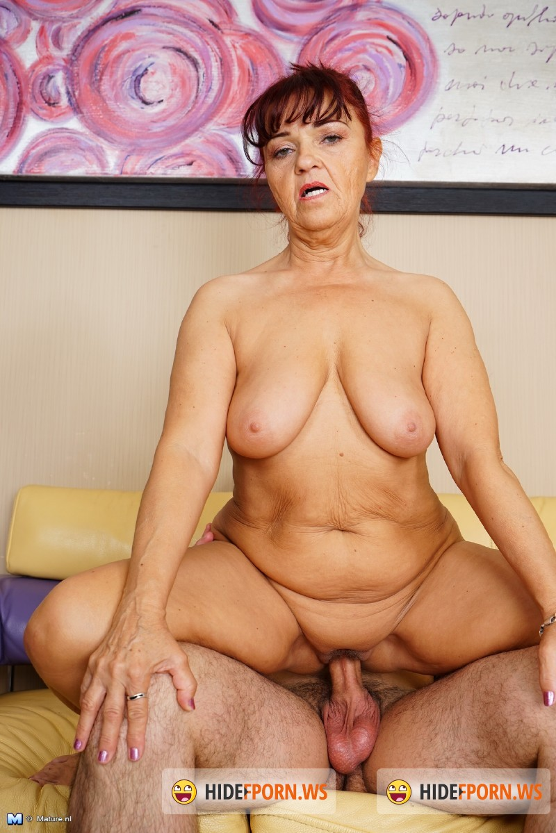 Mature.nl - Evita S. (57) - Mature slut getting a mouth full [SD 540p]