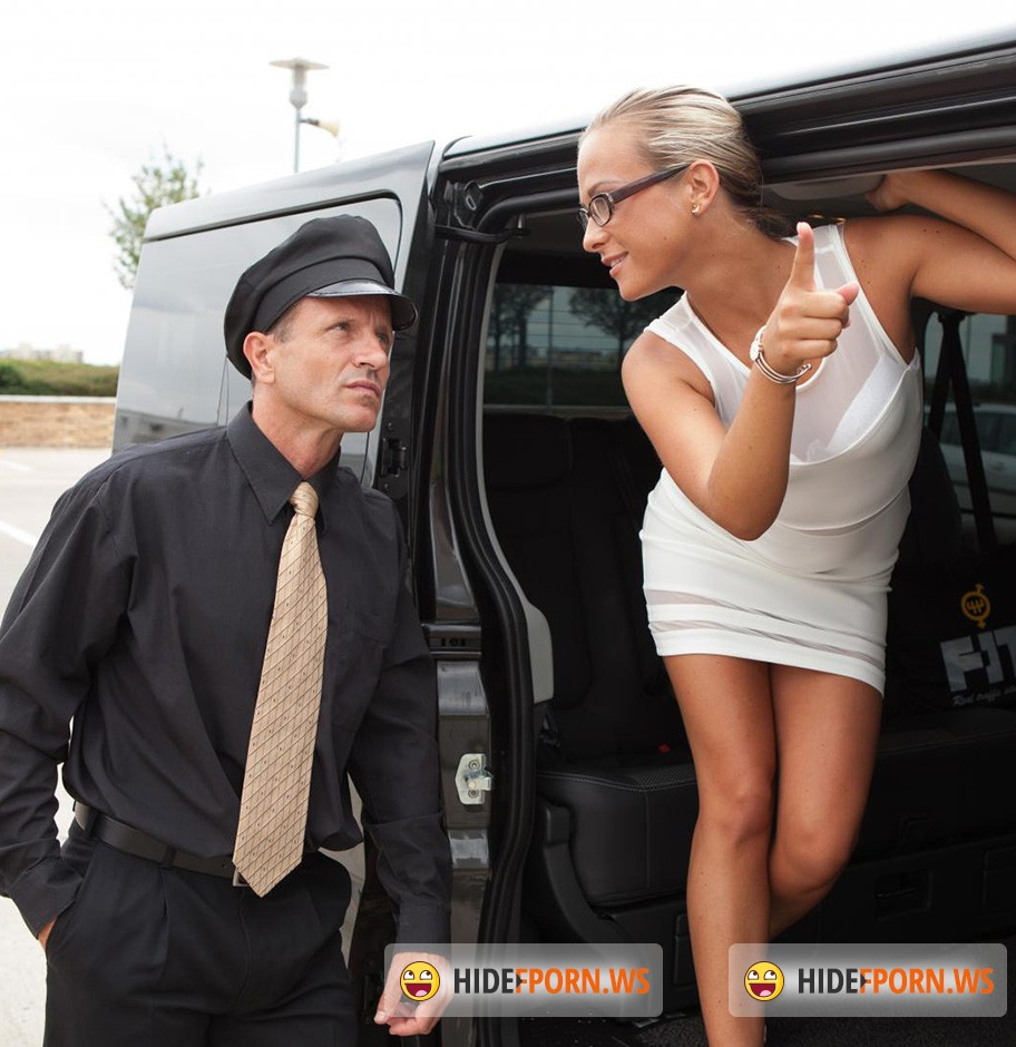 FuckedInTraffic.com / PornDoePremium.com - Vinna Reed - Riding hard cock on the backseat of a car [HD 720p]