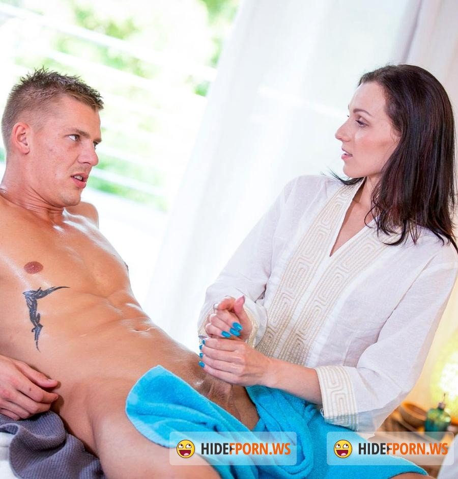Relaxxxed: Kate Black - Horny Kate Black gives hot BJ at spa [SD 480p]