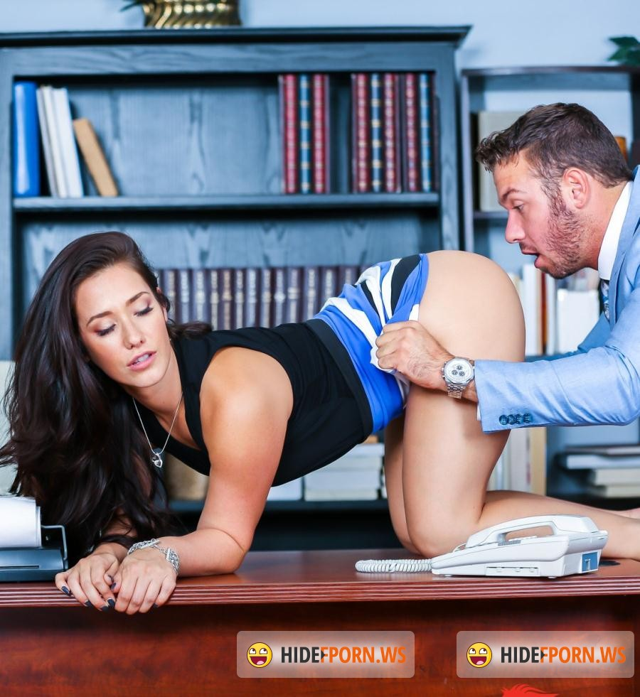 Play and Porn: Eva Lovia - Breaking The Routin [HD 720p]