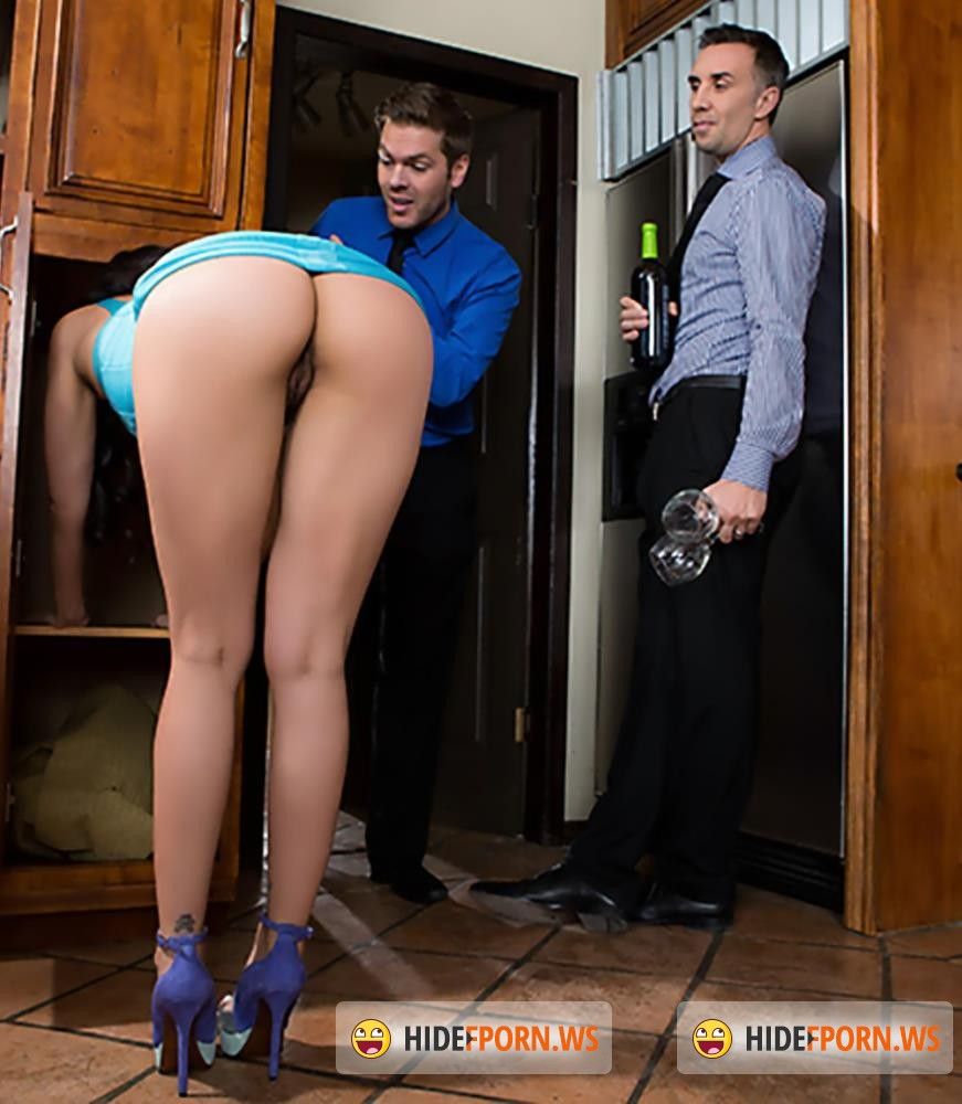 RealWifeStories/Brazzers - Vicki Chase, Keiran Lee - The Perfect Hostess [HD 720p]