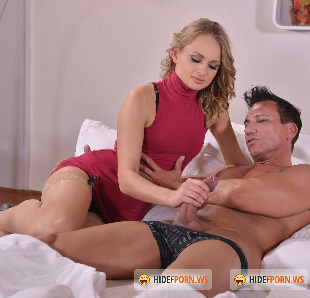 HandsonHardcore/DDFNetwork - Ivana Sugar - A Horny Hardcore Surprise - Young Babe Fucked Doggy Style [HD 720p]
