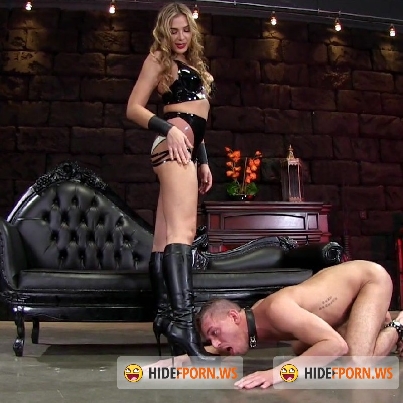 FemdomEmpire.com - Blaire Williams - Amazonian Boot Cleaning [FullHD 1080p]