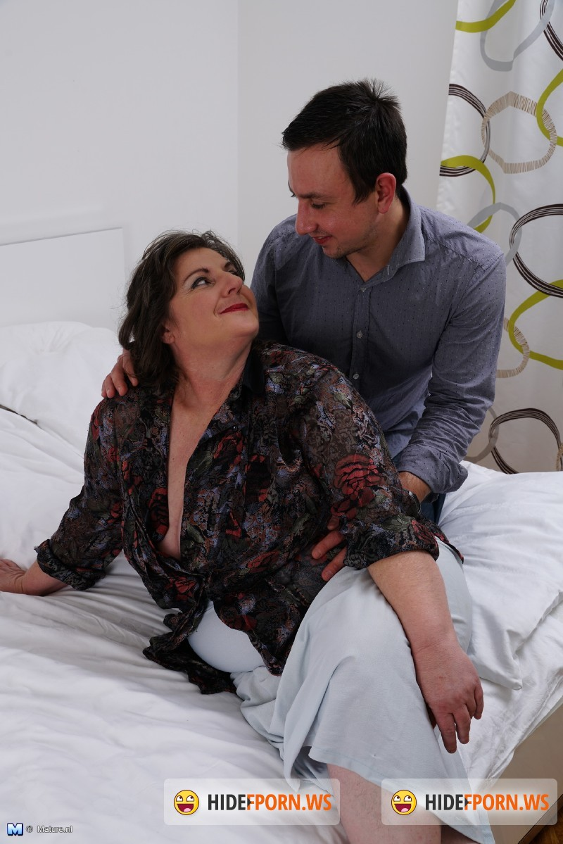 Mature.nl - Jana (50) - Chubby mature lady doing her toyboy [SD 540p]