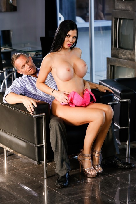 NuruMassage.com/FantasyMassage.com - Jasmine Jae, Marcus London - A Pampering Please [FullHD]