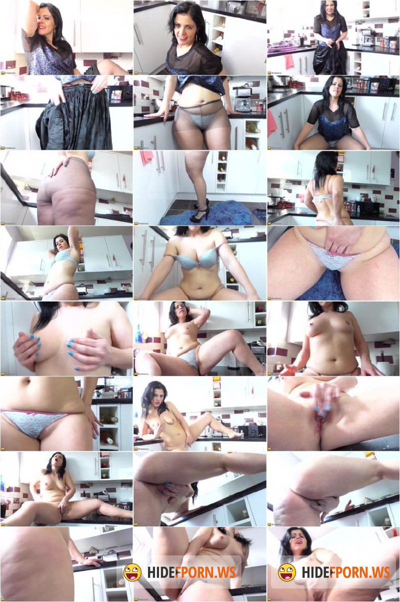 Mature.eu/Mature.nl - Montse (EU) (36) - Naughty housewife fingering herself [SD 540p]