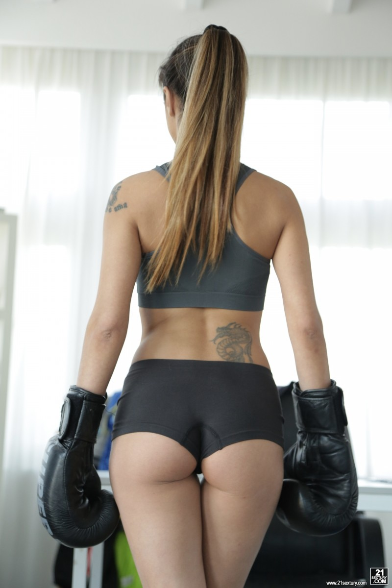 AssholeFever.com - Mona Kim - Boxing With The Best [HD 720p]