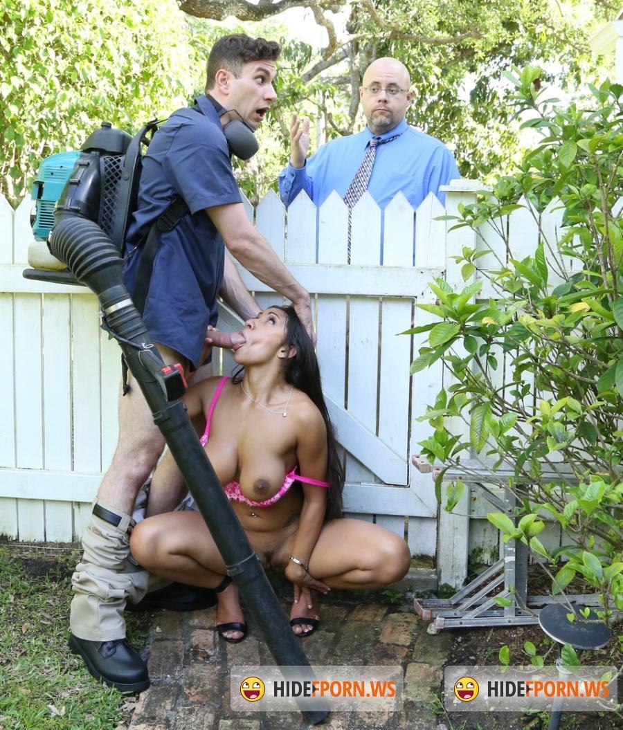 Priya price fucks gardener