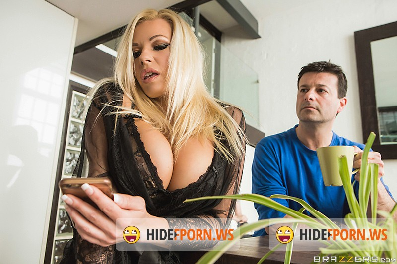MLIB: Michelle Thorne - Fucking The Invisible Man [HD 720p]