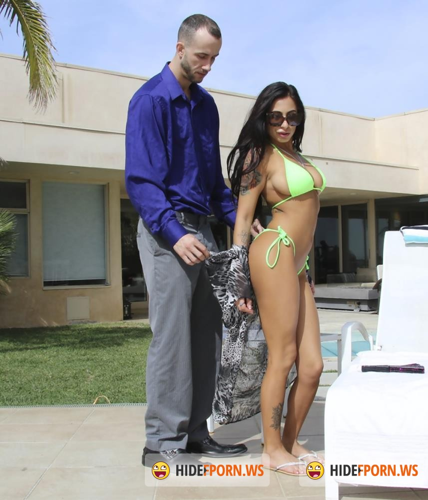 BigTitsRoundAsses/BangBros - Stacy Jay - Fun In The Sun [FullHD 1080p]