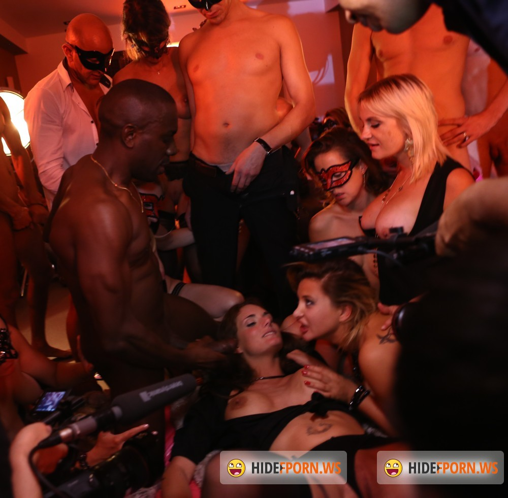 DorcelClub - Anna Polina, Marie Clarence, Mya Lorenn - Behind the scenes of My real swingers orgy [FullHD 1080p]