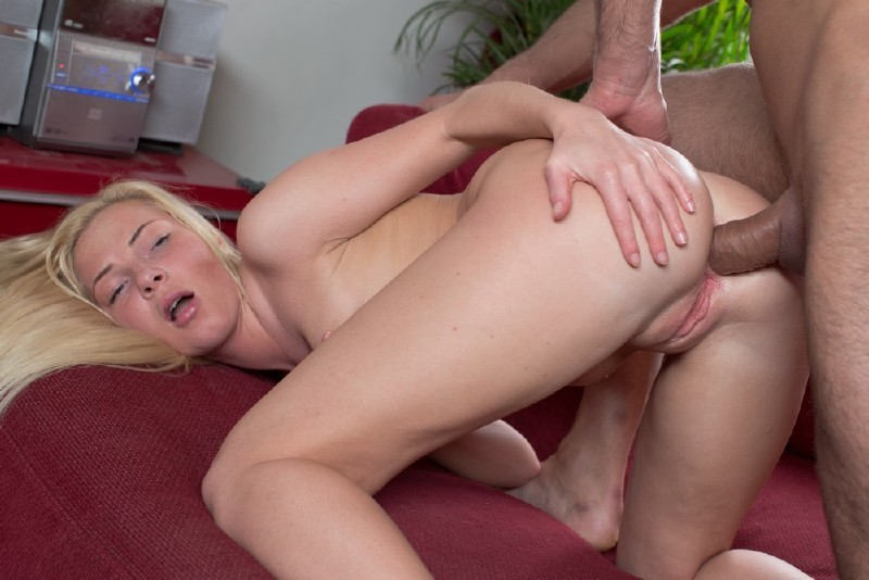 ParadiseFilms.com - Angie Koks - Pretty And Pink [HD 720p]