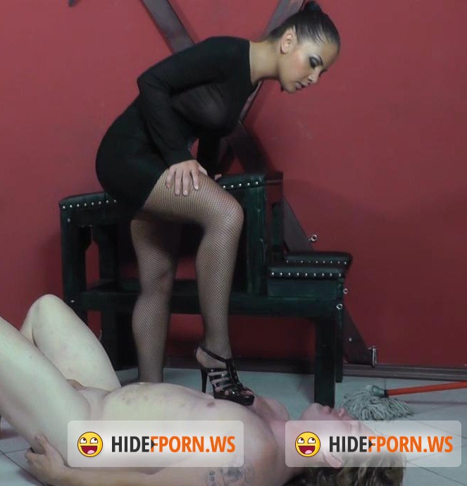 Cruelamazons.com: Mistress - Kicking and Licking [HD 720p]