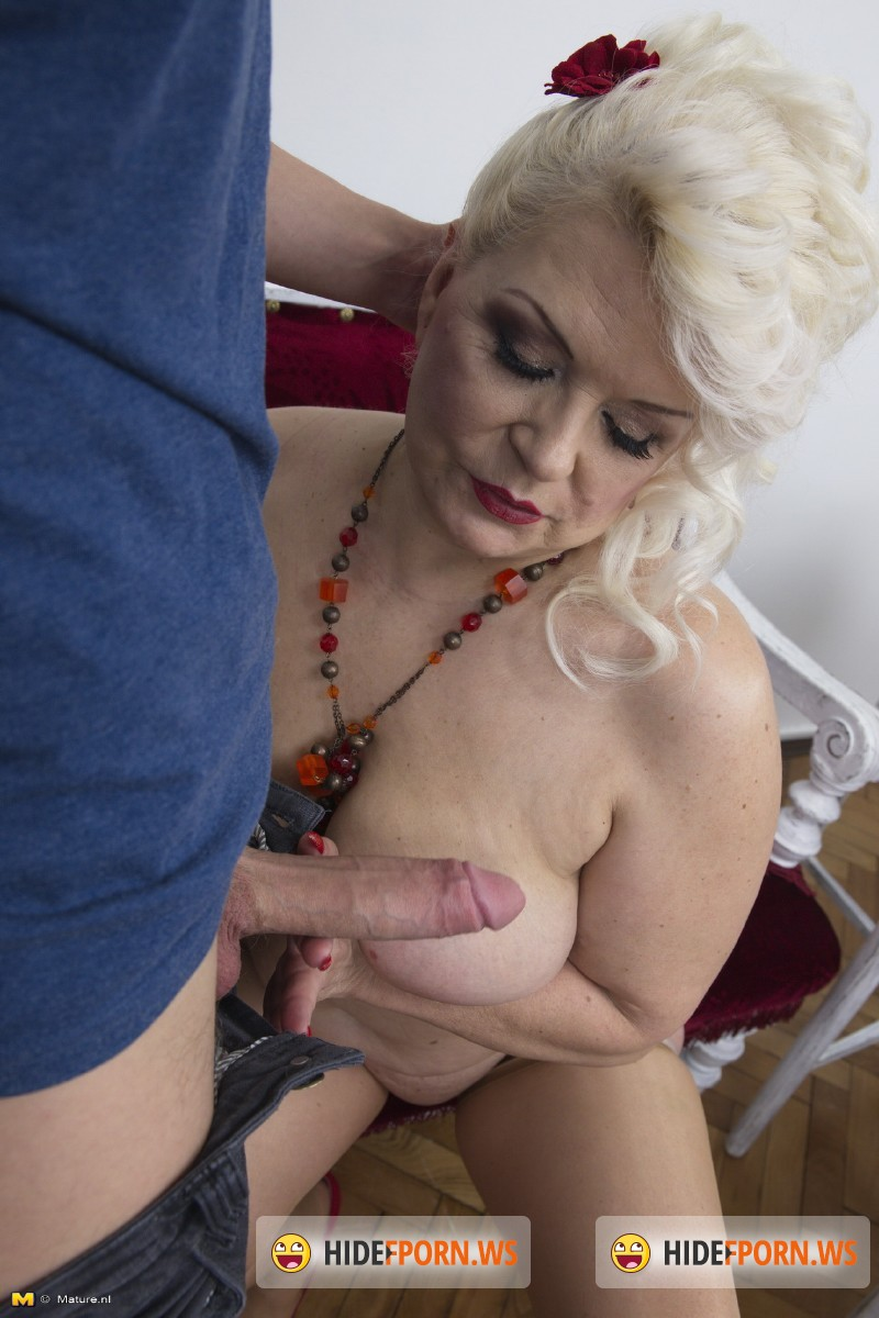 Old-And-Young-Lesbians.com/Mature.nl - Sofia (54) - Chubby mature nympho doing her toyboy [SD 540p]