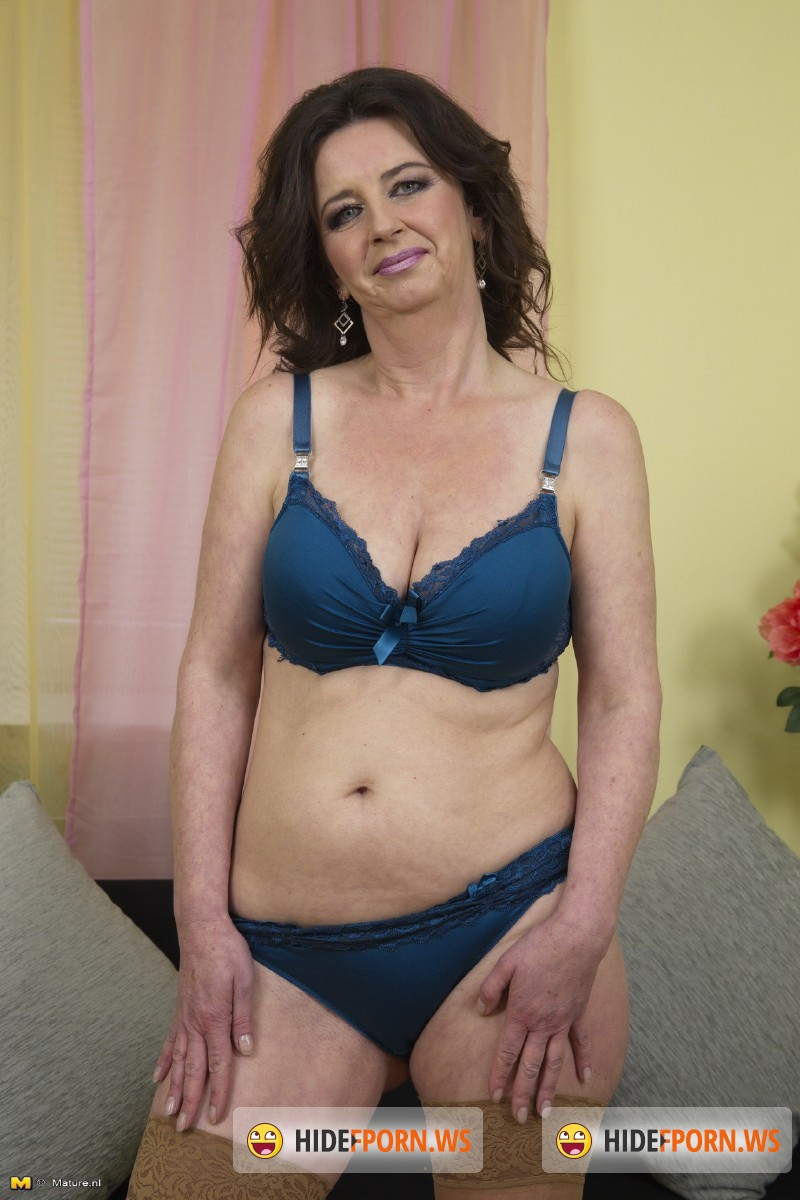 Mature.nl - Ruzena (47) - Keep your eyes open for this naughty European housewife, who loves playing with herself [SD 540p]