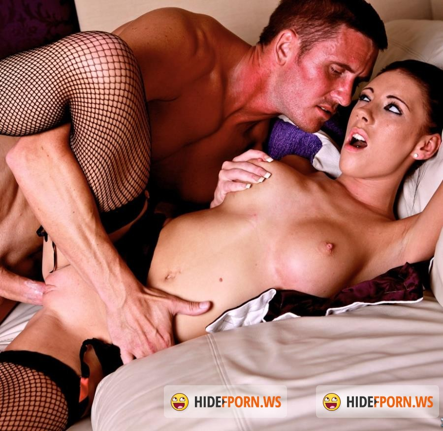 Private - Jessica Martinez - Slutty Maid Jessica Martinez Has Some Fun With a Barman [HD]