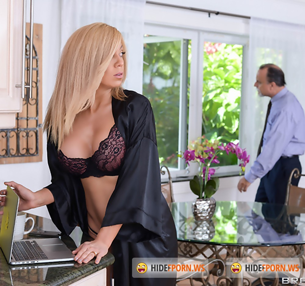 MilfsLikeItBig/Brazzers - Parker Swayze, Bruce Venture - Expose Yourself to MILFS [HD 720p]