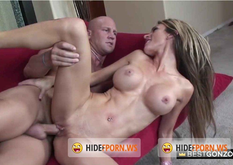 BestGonzo.com - Sarah - Sarah adores showing her body and fucking on cam [HD 720p]