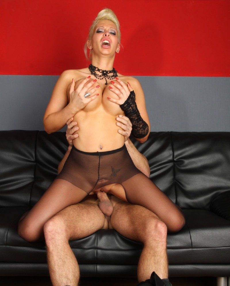 Inflagranti.com - Stella Styles - Ripped tights and exposed [FullHD 1080p]
