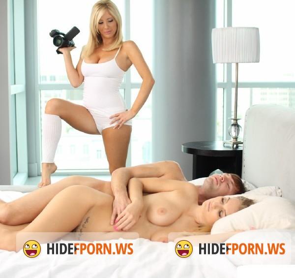 Accidental pussy flash videos