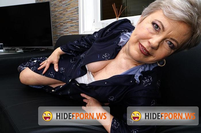 Mature.nl: Klaudia D. (57) - Klaudia D. (57) - Horny older lady fingering herself [SD 406p]